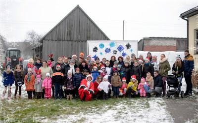 """Tradicinė Kalėdų eglutės įžiebimo šventė bei muzikos ansamblio """" Ainiai""""  koncertas"""