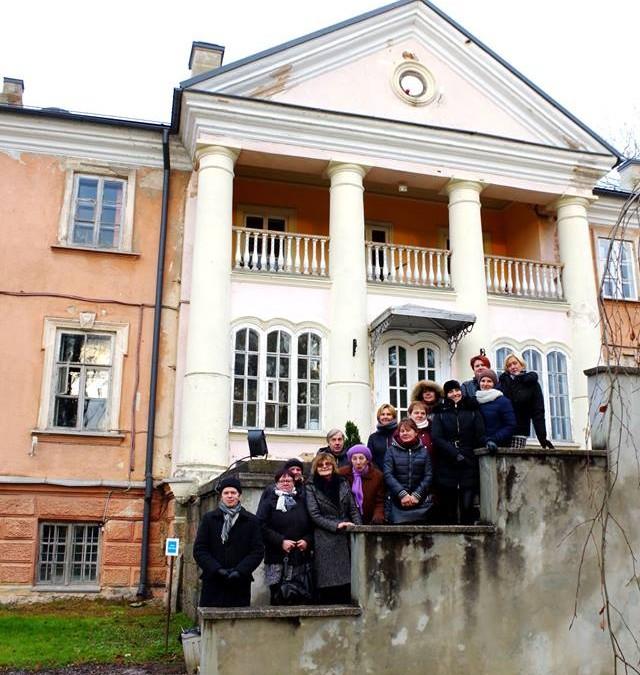 Garliavos apylinkiu seniunijos bendruomenes nariu kelione J. Godlevskio takais : Fredos dvaras